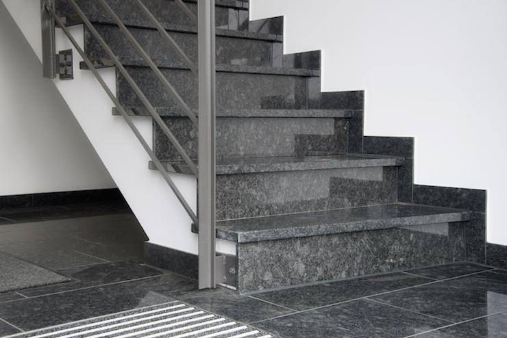 innentreppen anr chter naturstein und marmor zellmer natursteine aus anr chte nrwanr chter. Black Bedroom Furniture Sets. Home Design Ideas